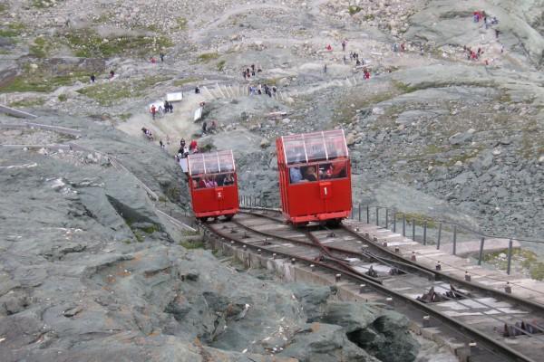gletscherbahn-pasterze-c-grossglockner-bergbahnen5BC4E33D-3B00-2E7F-E8E3-11FA11D33F91.jpg